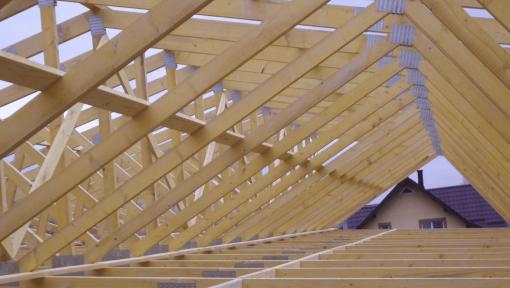 sarpanta din ferme prefabricate asamblate cu placi multicui