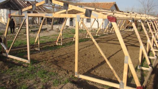 solar din lemn cu ferme prefabricate