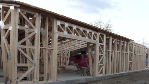 hala din lemn asamblata cu placi multicui