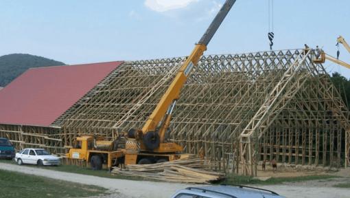 montaj hala structura lemn tip portal