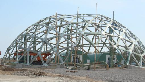 dom structura atipica din lemn asamblata cu placi multicui