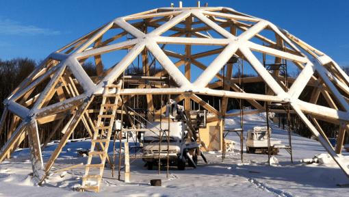 dom geodezic structura din lemn atipica