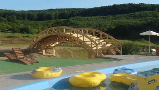structura pod din lemn cu ferme tip arc