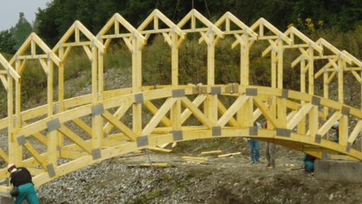 structura pod din lemn cu ferme tip semitrotunde