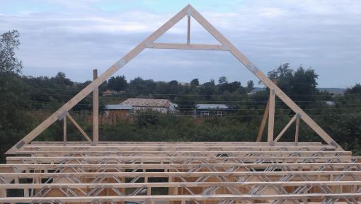 structura din lemn asamblata cu placi multicui