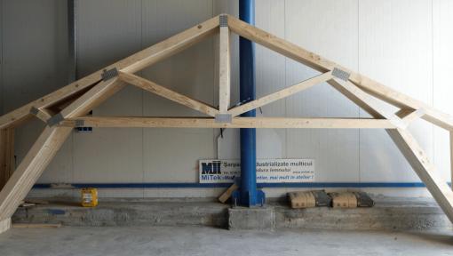 ferme prefabricate din lemn pentru garaj tip portal