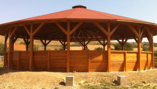 structura manej din lemn prefabricata asamblata cu placi multicui