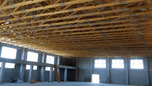 sarpanta sala cu ferme prefabricate